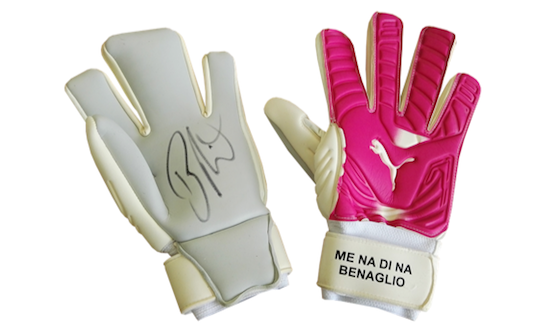 Original signed goalkeeper gloves by Diego Benaglio