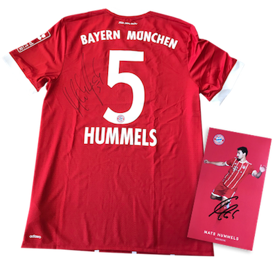 original signed FC Bayern jersey and autograph card by Mats Hummels