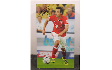 Player portrait original signed by Mats Hummels FC Bayern Munich