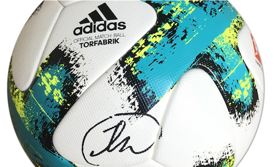 Hand signed Bundesliga match ball by Thomas Müller