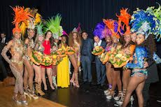 Charity-Gala Giovane Elber with samba dancers