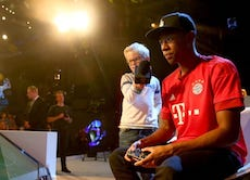 David Alaba playing Fifa on the Playstation